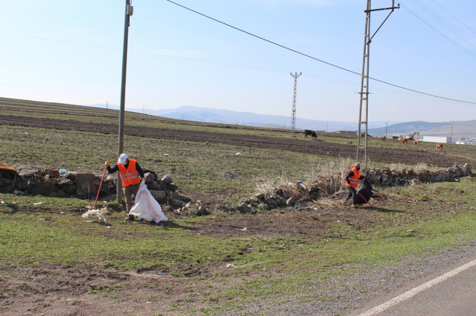 2020/04/1588249192_hanak_belediyesi_ayhan_buyukkaya_(6).jpg