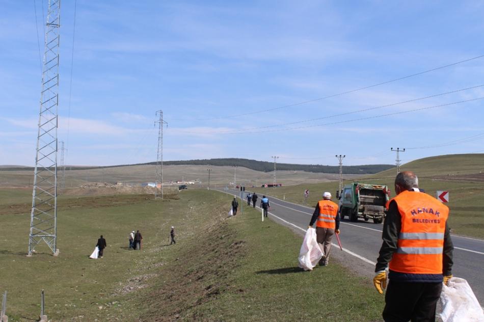 2020/04/1588249192_hanak_belediyesi_ayhan_buyukkaya_(7).jpg
