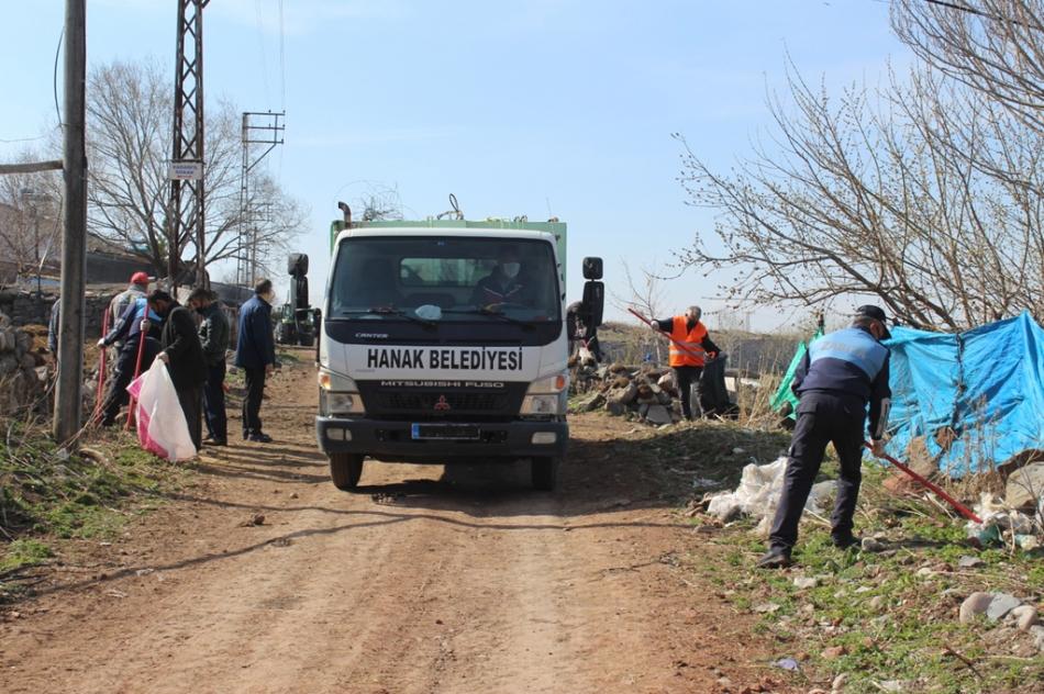 2020/04/1588249200_hanak_belediyesi_ayhan_buyukkaya_(18).jpg