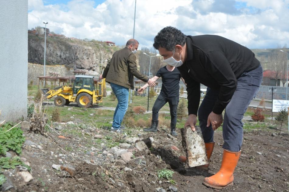 2020/05/1588597599_ardahan_belediye_baskani_faruk_demir_(2).jpg