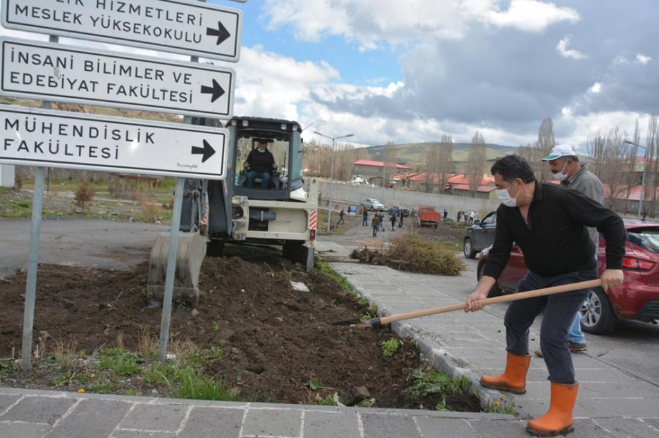 2020/05/1588597602_ardahan_belediye_baskani_faruk_demir_(9).jpg