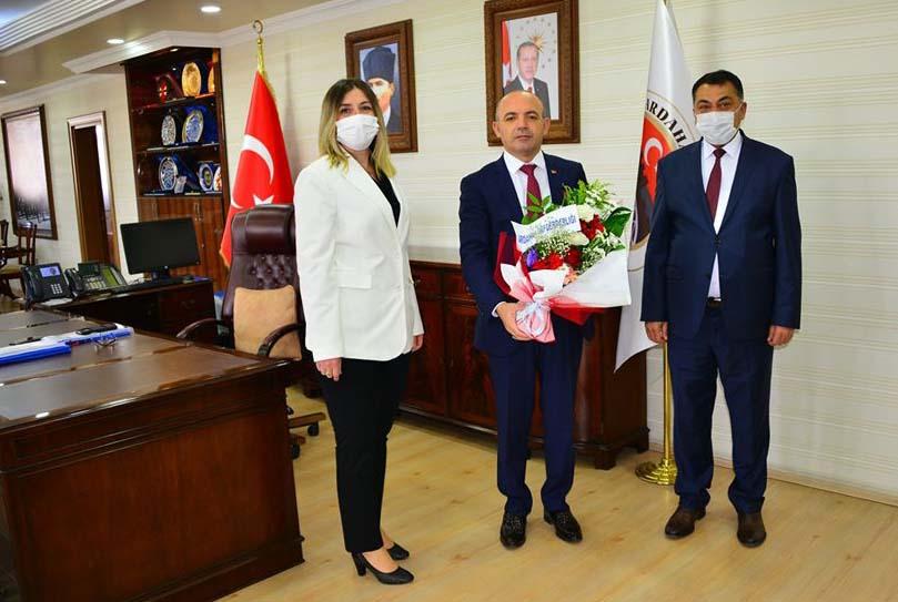 2020/06/1592604393_vali_huseyin_oner_ardahan_(13).jpg