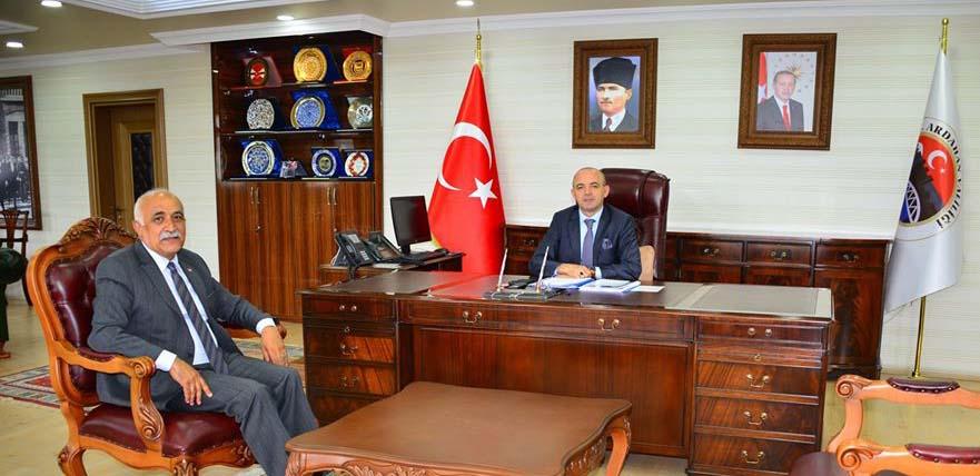 2020/06/1592604393_vali_huseyin_oner_ardahan_(16).jpg