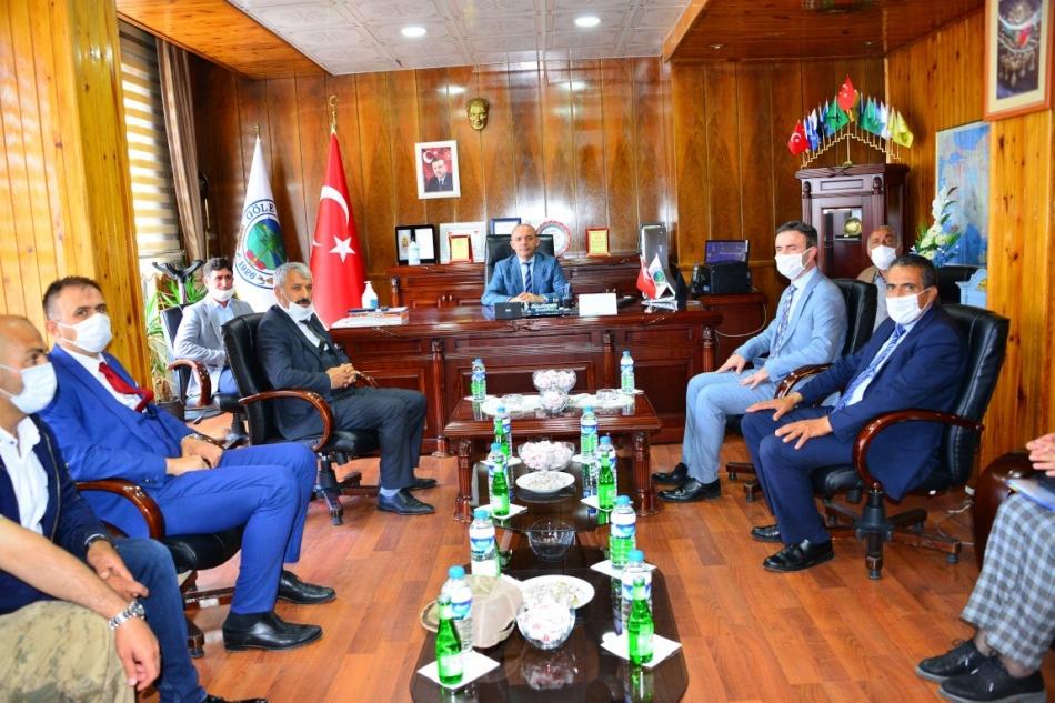 2020/07/1594806100_vali_huseyin_oner_ardahan_(5).jpg