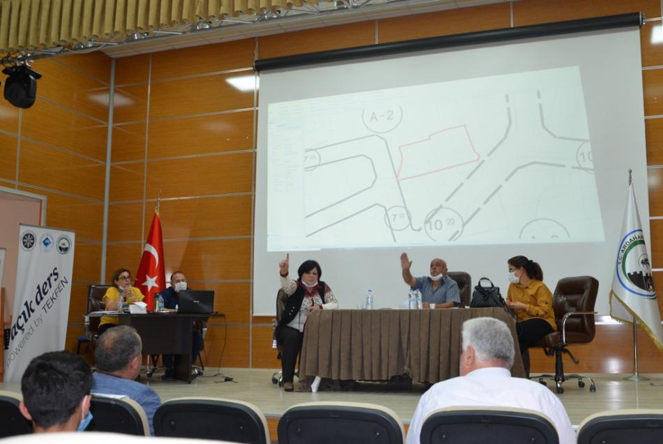 2020/09/1599141414_ardahan_belediyesi_dukkan_satisi_ak_parti_chp_hdp_(6).jpg