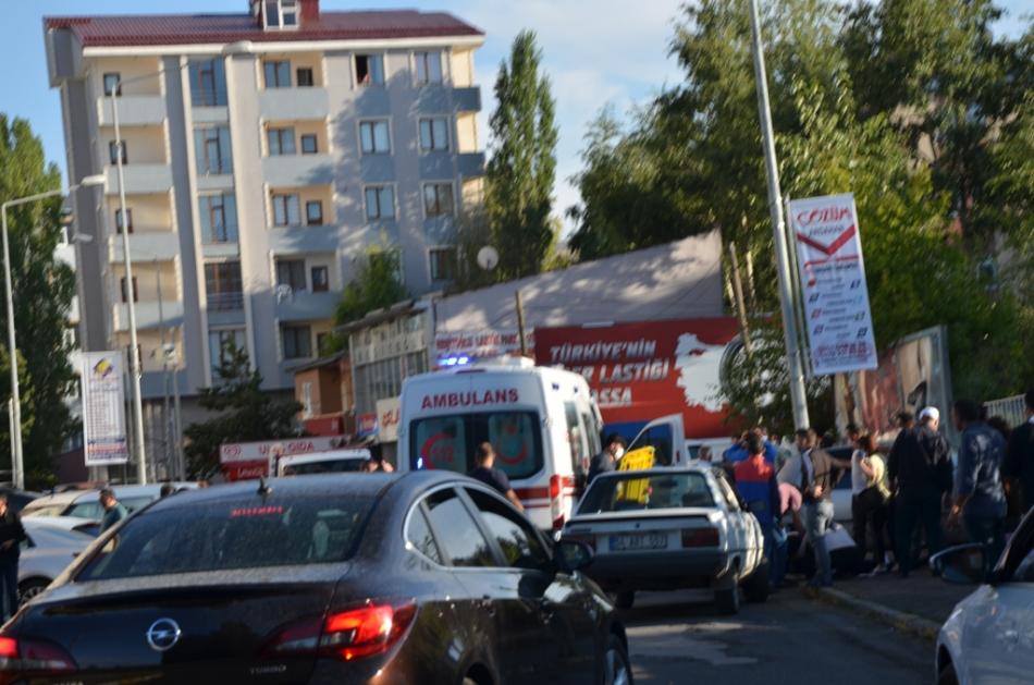 2020/09/1599837087_ardahan_trafik_kazasi_(2).jpg