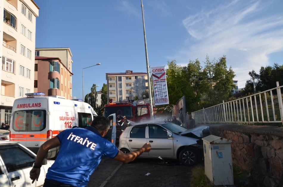 2020/09/1599837310_trafik_kazasi_ardahan_(1).jpg