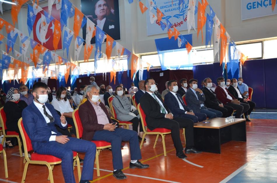 2020/09/1599932240_ak_parti_merkez_ilce_kongresi_osman_yildiz_ozgur_acikyildiz_orhan_atalay_(7).jpg