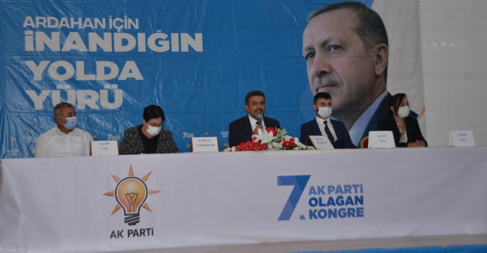 2020/09/1599932241_ak_parti_merkez_ilce_kongresi_osman_yildiz_ozgur_acikyildiz_orhan_atalay_(2).jpg