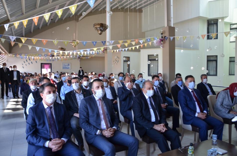 2020/09/1600619592_deva_ardahan_il_kongresi_candar_yilmaz_(21).jpg