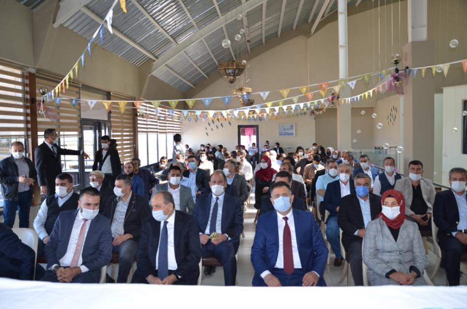 2020/09/1600619593_deva_ardahan_il_kongresi_candar_yilmaz_(22).jpg
