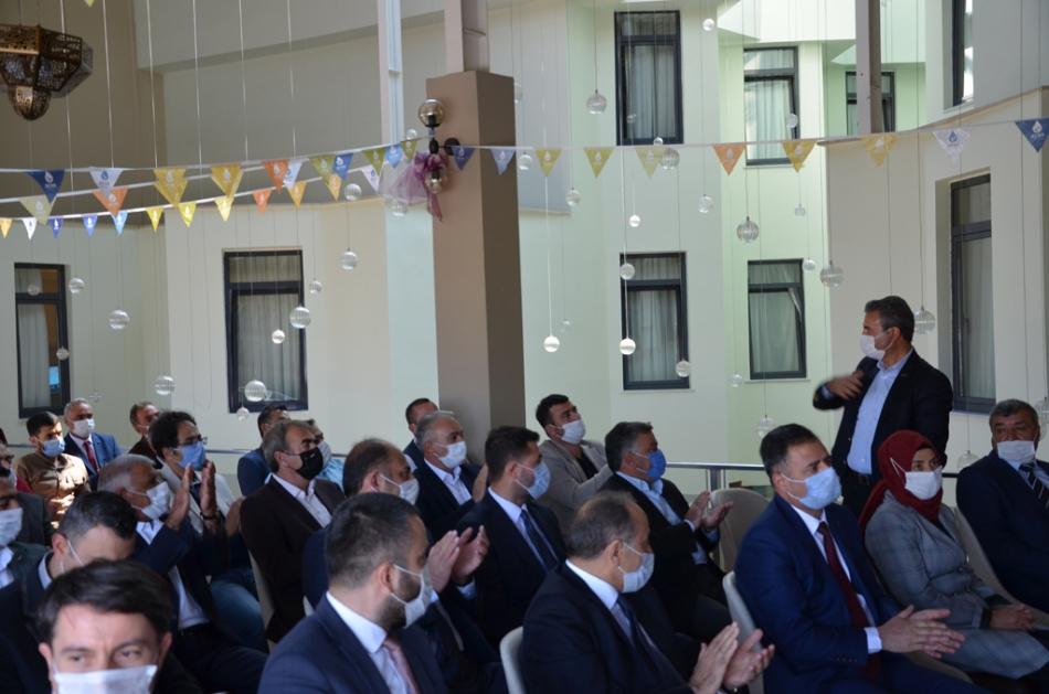 2020/09/1600619594_deva_ardahan_il_kongresi_candar_yilmaz_(24).jpg