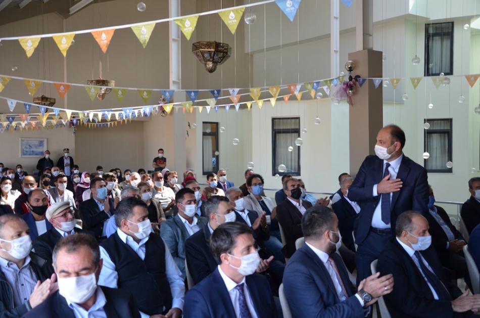 2020/09/1600619595_deva_ardahan_il_kongresi_candar_yilmaz_(25).jpg