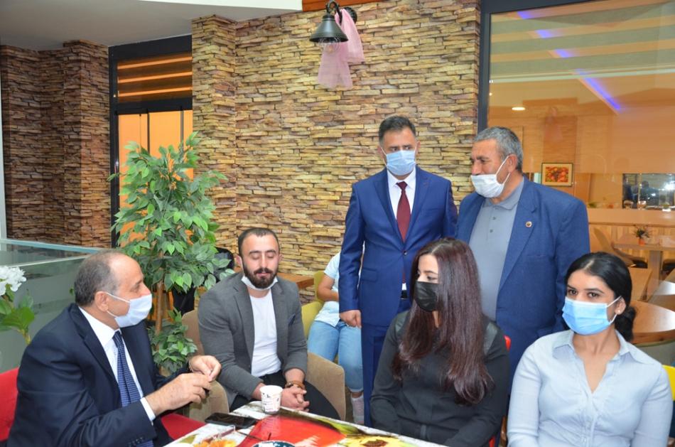 2020/09/1600619607_deva_ardahan_il_kongresi_candar_yilmaz_(42).jpg