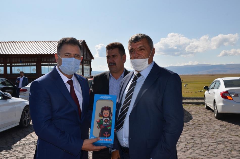 2020/09/1600619609_deva_ardahan_il_kongresi_candar_yilmaz_(47).jpg