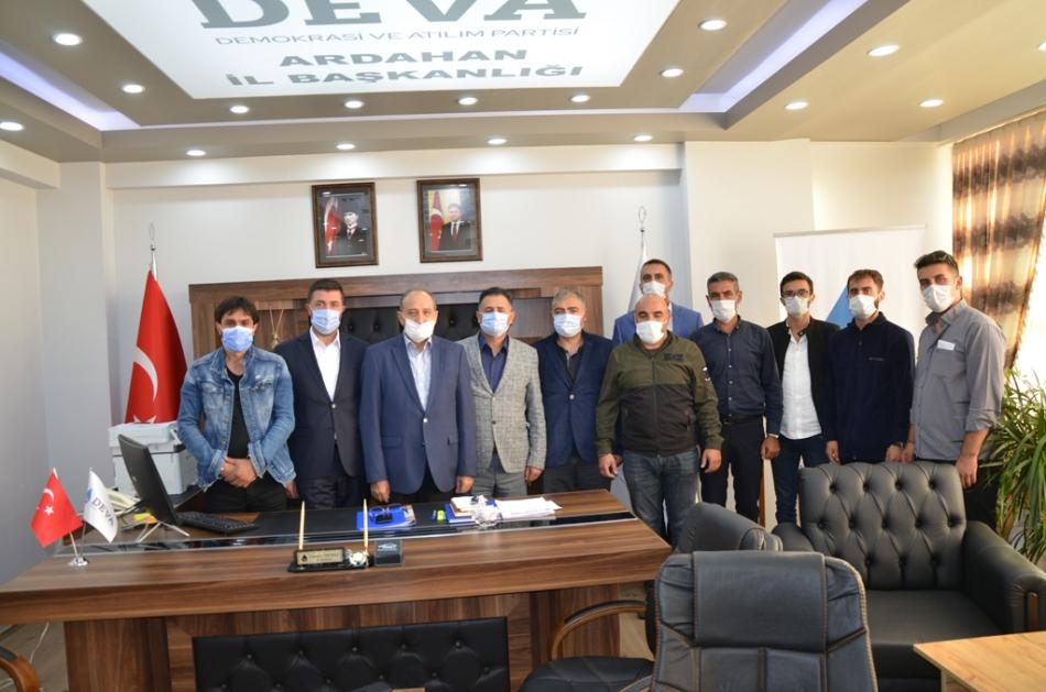 2020/09/1600619613_deva_ardahan_il_kongresi_candar_yilmaz_(52).jpg