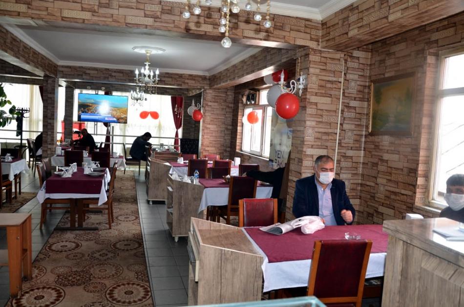 2020/11/1604228522_kura_restaurant_(5).jpg