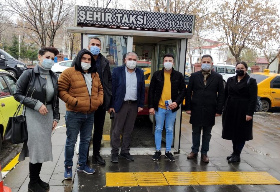 2020/11/1605974404_deva_ardahan_taksi_ali-babacan_(10).jpg