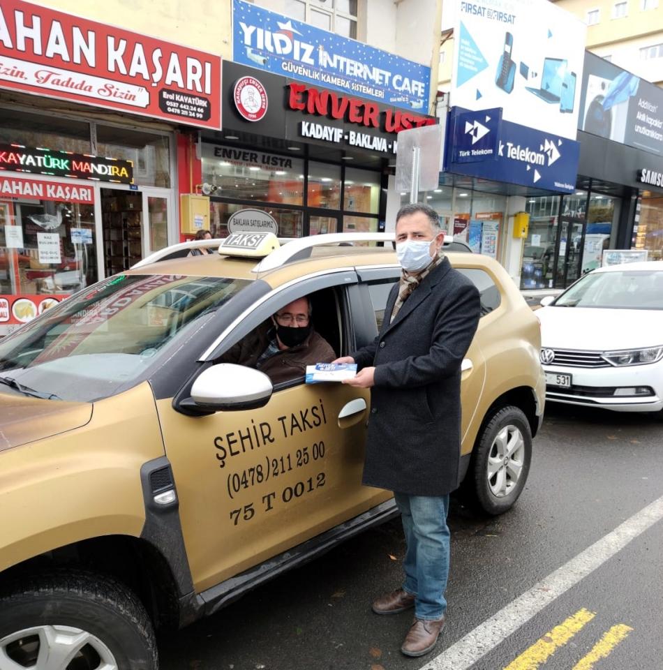 2020/11/1605974406_deva_ardahan_taksi_ali-babacan_(11).jpg