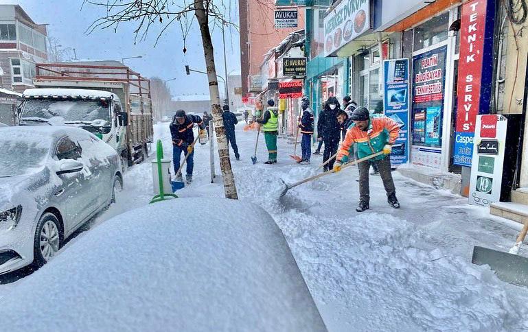 2021/02/1613751723_ardahan_belediyesi_kar_mucadelesi_faruk_demir_-8.jpg