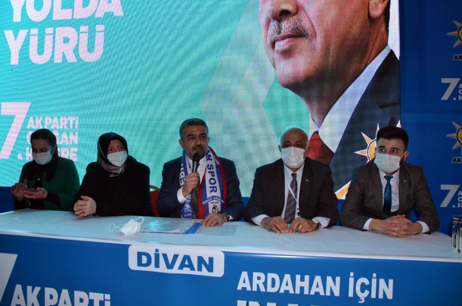 2021/02/1614188435_ak_parti_ardahan_kongre_kaan_koc_-10.jpg