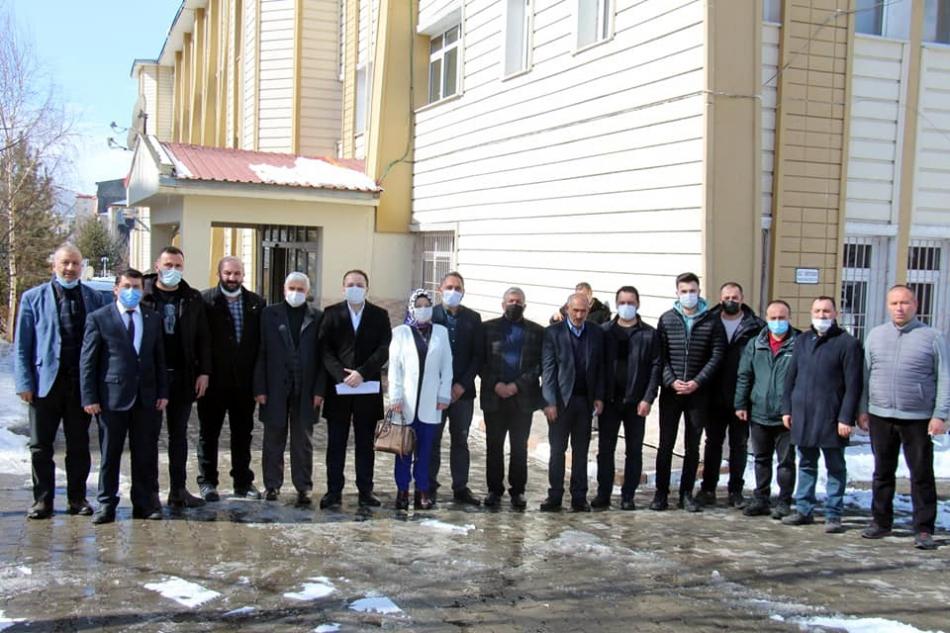2021/03/1614683331_ak_parti_kaan_koc_mazbata_ardahan_-3.jpg