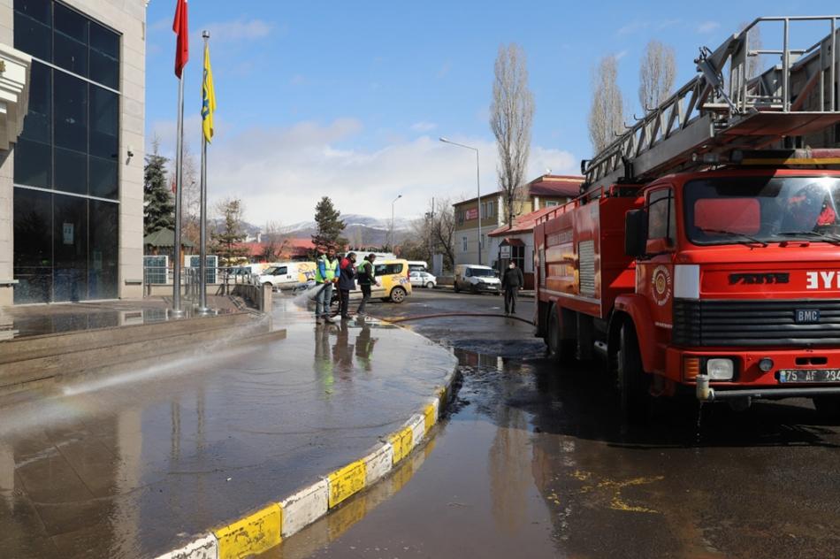 2021/05/1620041664_ardahan_belediyesi_tam_kapanma_calismasi_-1.jpg