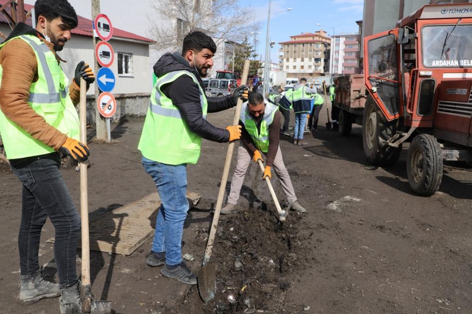 2021/05/1620041665_ardahan_belediyesi_tam_kapanma_calismasi_-6.jpg