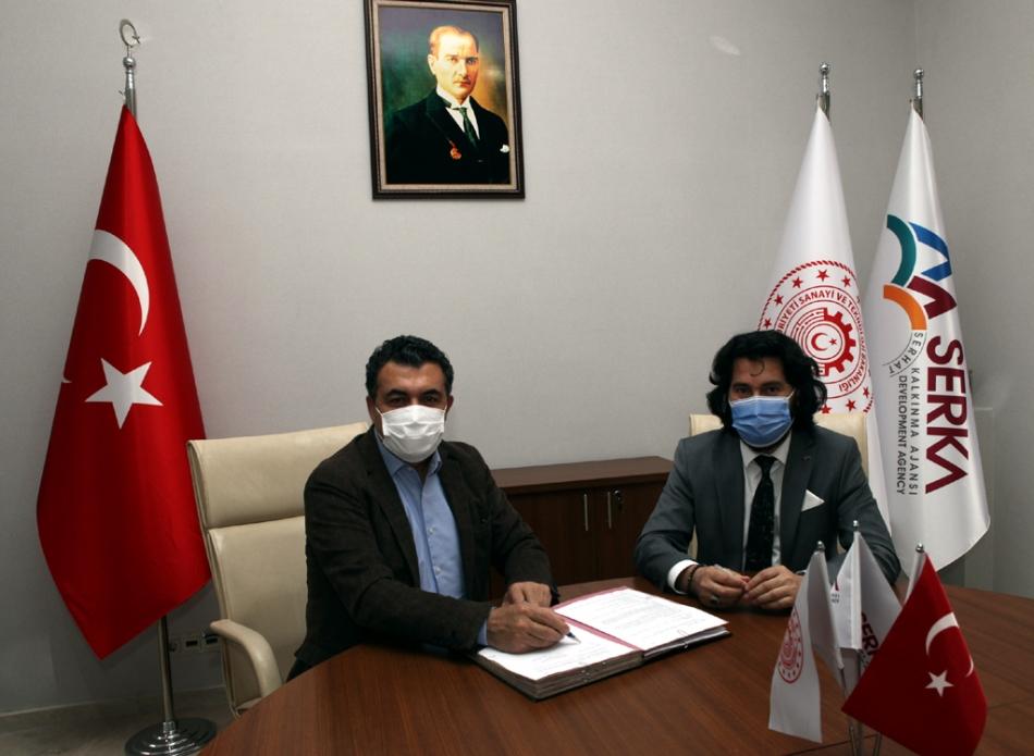 2021/05/1621370368_ardahan_belediye_baskani_faruk_demir_yem_fabrikasi_-1.jpg