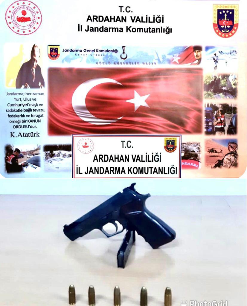 2021/05/1622042711_ardahan_ruhsatsiz_silah_jandarma.jpg