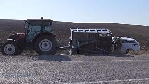 Otomobil traktör römorkuna çarptı: 1 ölü, 1 yaralı