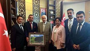 Kamu-Sen ve Ardahan MHP'den Bahçeli'ye ziyaret