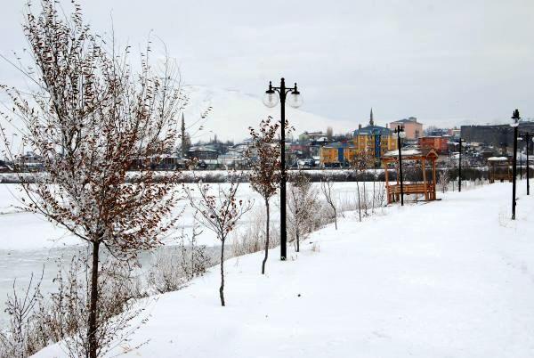 Ardahan'a kar geliyor