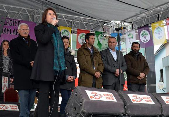 HDP'DEN RENKLİ MİTİNG