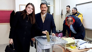 VALİ, BÜTÜN ENERJİSİNİ 31 MART'A HARCADI!