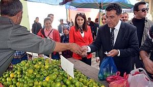 Başkan Demir, Pazarın nabzını tuttu