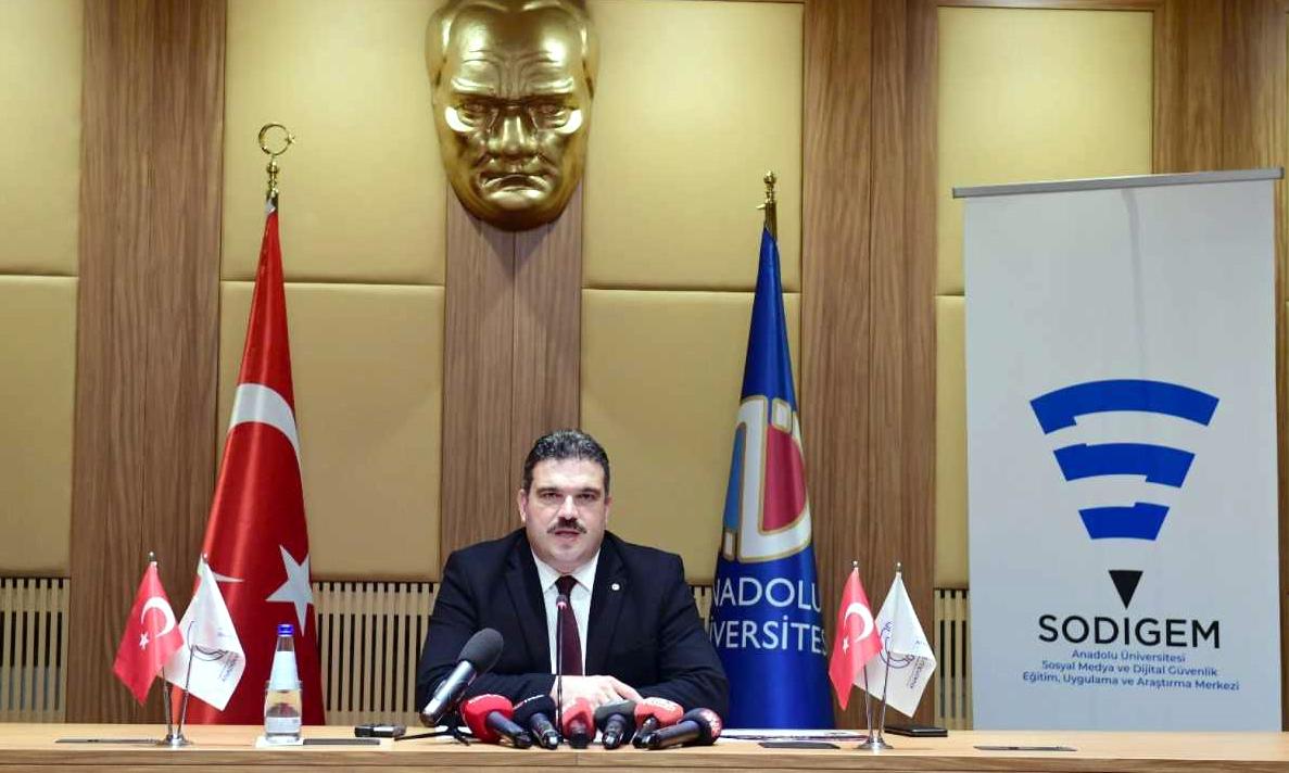 """MAVİ BALİNA"" TEHLİKESİ"