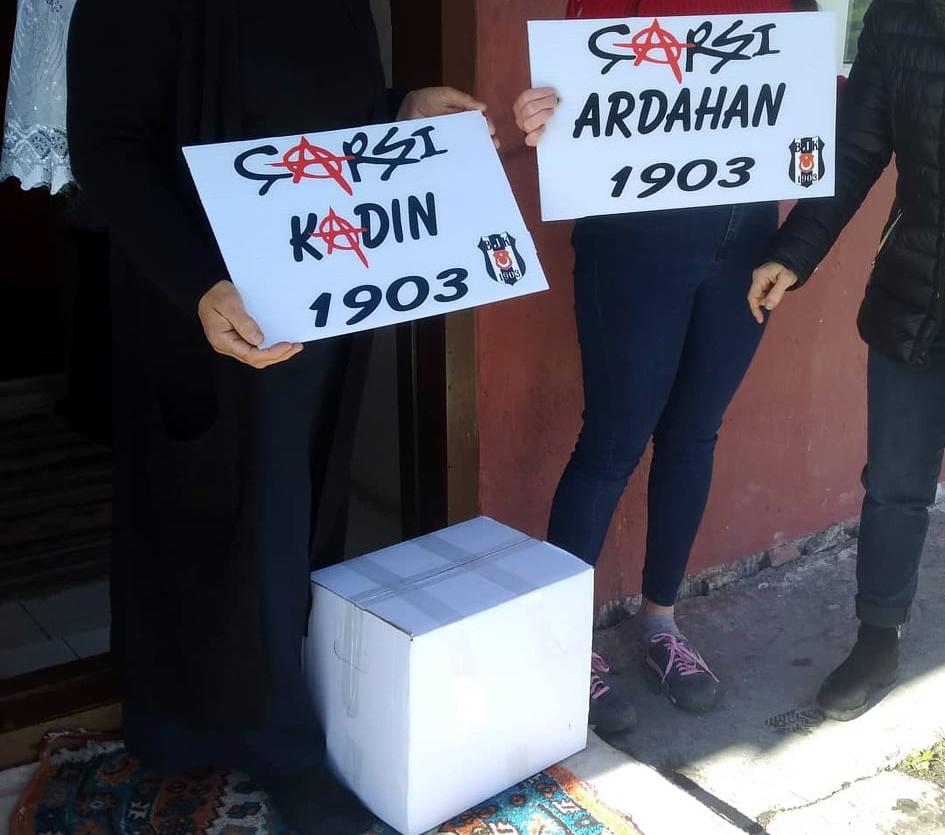 """""""Çarşı Kadın"""" Taraftar Grubundan yoksullara yardım"""