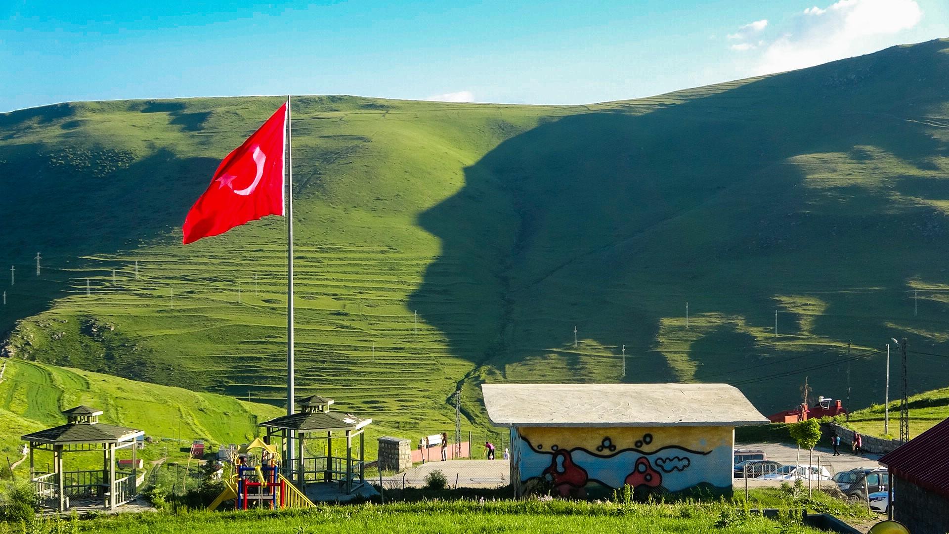 ATATÜRK'E KORONAVİRÜS ENGELİ