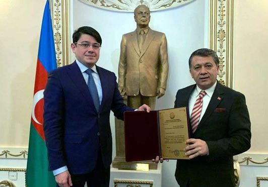 AZERBAYCAN'DAN KGK GENEL BAŞKANI DİM'E BÜYÜK ONUR