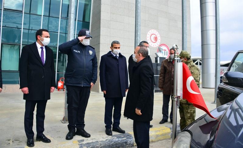 VALİ ÖNER'DEN SINIRA ÇIKARMA